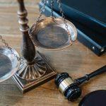 """Il giusto processo, il modello """"contradictoire"""" ed il teste: costituzione e normative internazionali a confronto"""